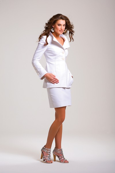 women's white suit jacket
